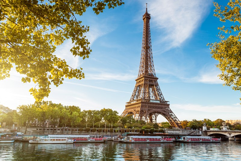 J'ai visité Paris avec une amie