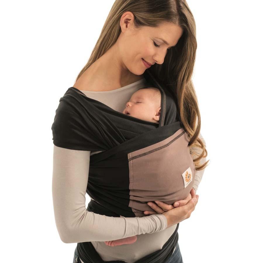Porter bébé toute la journée ou le laisser pleurer dans son lit  Voilà un  dilemme auquel les mamans se retrouvent souvent confrontée. L écharpe de  portage ... ae2fed27511