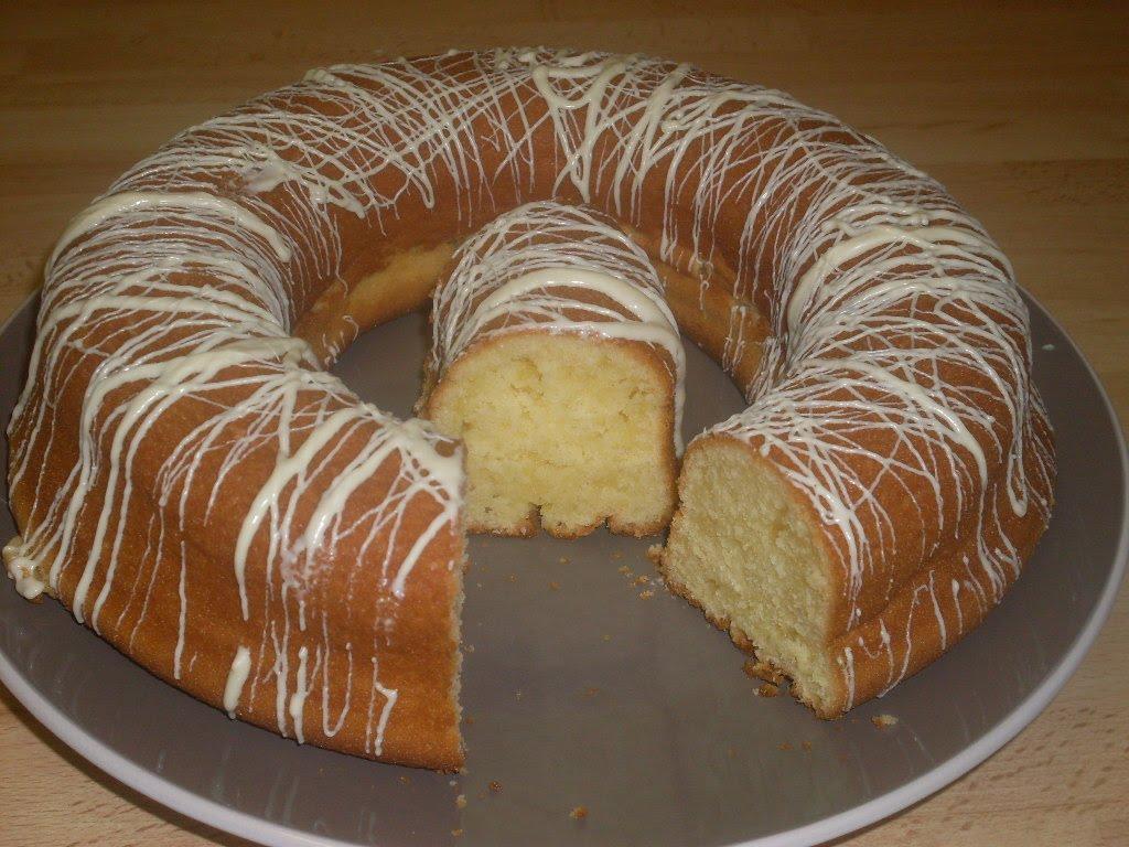 Gâteau au yaourt simple : je réalise un glaçage pour l'améliorer