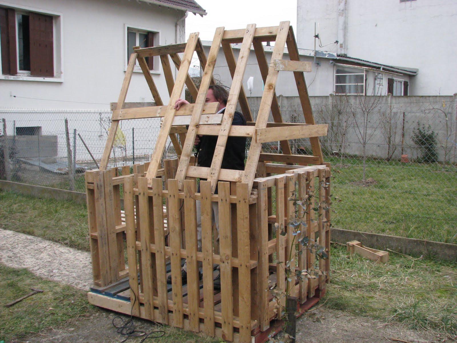 comment construire une cabane avec des palettes. Black Bedroom Furniture Sets. Home Design Ideas